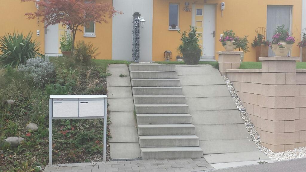 Hier wird beim Treppensturz die Versicherung den Schaden ablehnen, weil der Handlauf fehlt.