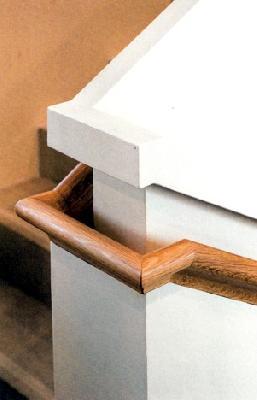 Vorbildlich: durchgehend ausgeführter Handlauf an der Treppeninnenseite