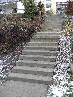 Wo bleibt hier die Sicherheit? Bei Treppensturz zahlt hier auch keine Versicherung!